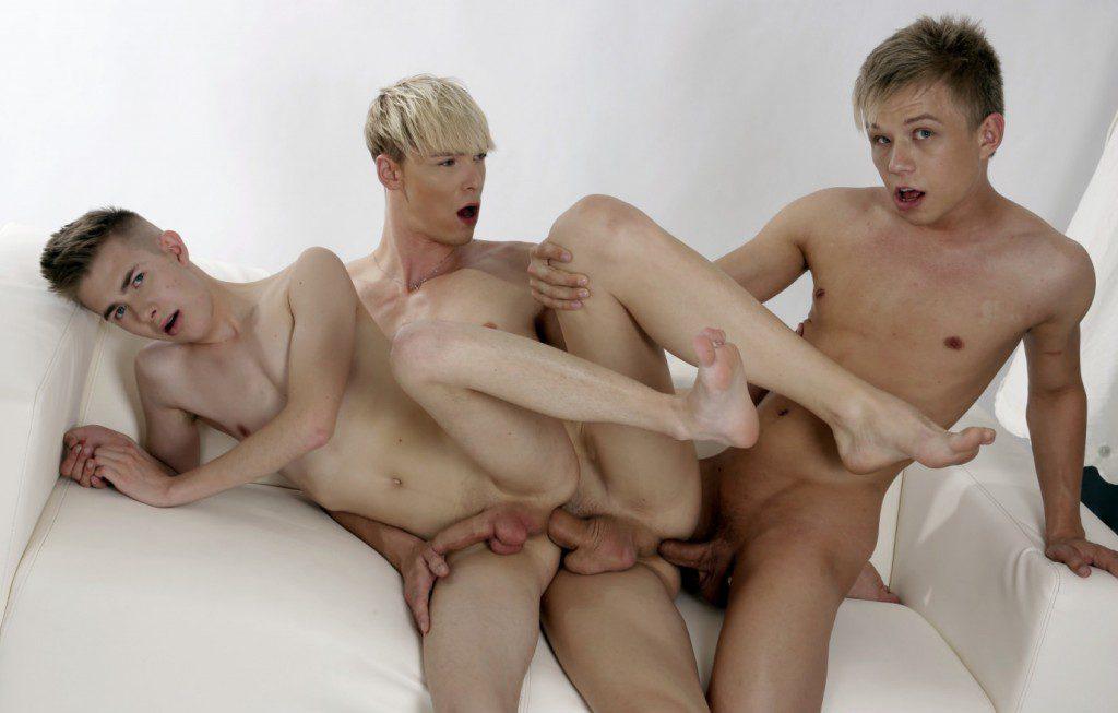 Euro twink bareback threeway, spit roast anal sex, twinks fuck raw, Staxus xxx free gay porn videos and pics.1