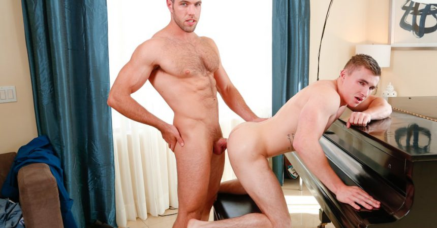 Alex Mecum Tops Jake Davis