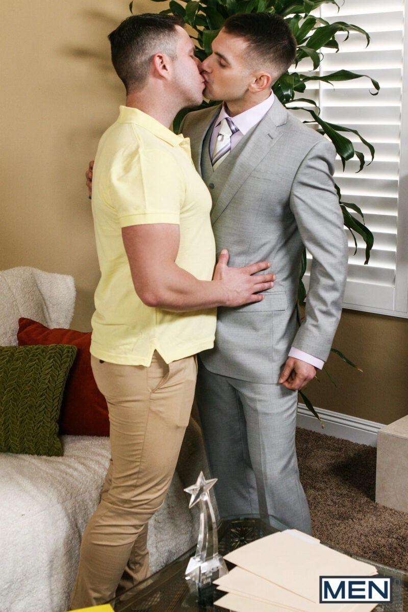 travis-james-fucks-chris-harder-men-xxx-free-gay-porn9