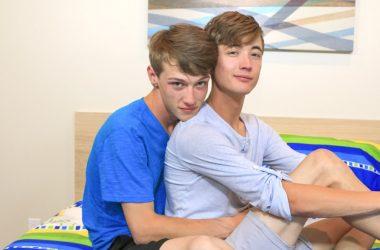 Bare Twinks: Corey Dawson & Zack Love